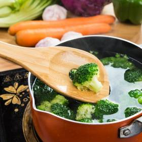 4 x Non Scratch / Heat Resistant  Bamboo Kitchen Cooking Utensils Set