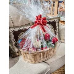 Woodluv Oval Wicker Basket Includes Create Your Own Gift Hamper Kit, Natural