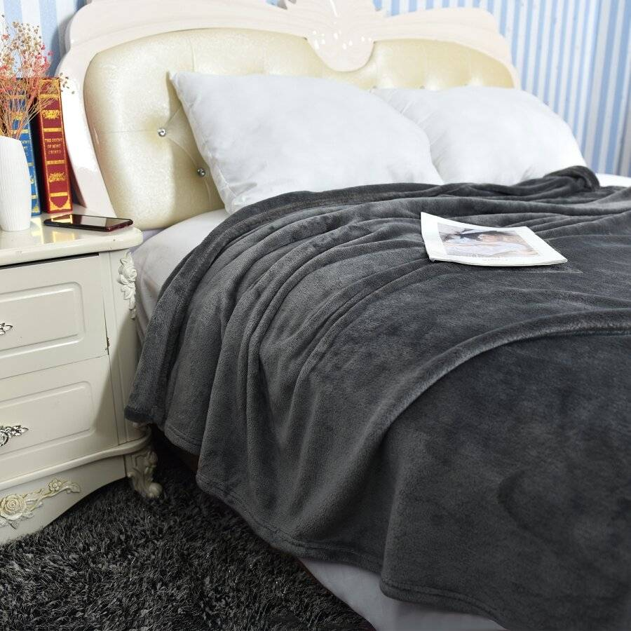 EHC Super Soft Fluffy Flannel Fleece Throws, Grey 125 cm  x 150 cm