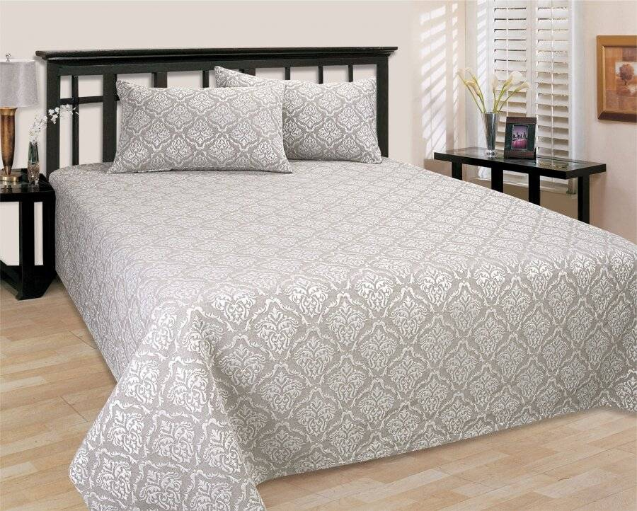 European Style Matelasse Bedspread, 2 Pillow Shams - Grace Beige/Cream