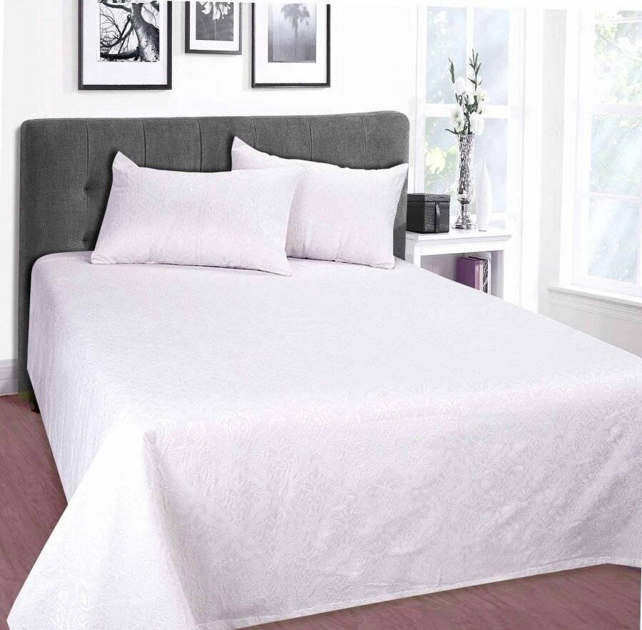 European Style Woven Matelasse Bedspread, 2 Pillow Shams - Grace White