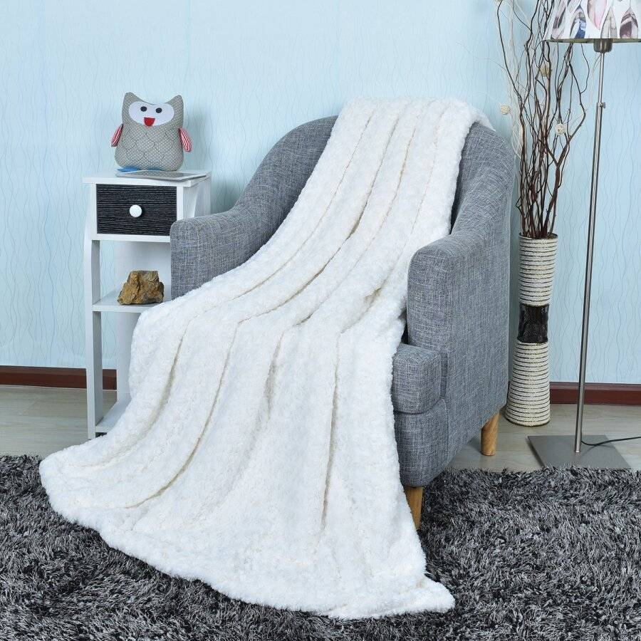 Luxurious Super Soft &Warm Sherpa Throw for Armchair or Single Be -Cream