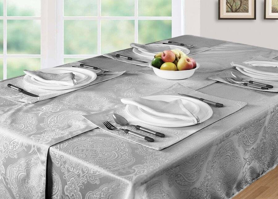 Luxury Damask Rectangular Tablecloth - Smoke (138 cm x 229 cm)