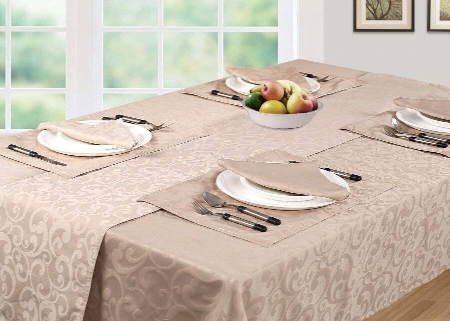 Luxury Scroll Pack of 6 Table Napkins, Serviettes - Beige