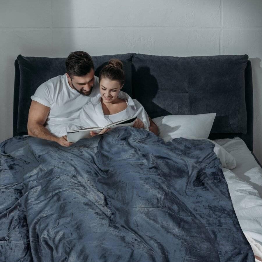 Luxury Soft & Fluffy Extra Large Flannel Throw, Grey 200 cm x 240 cm