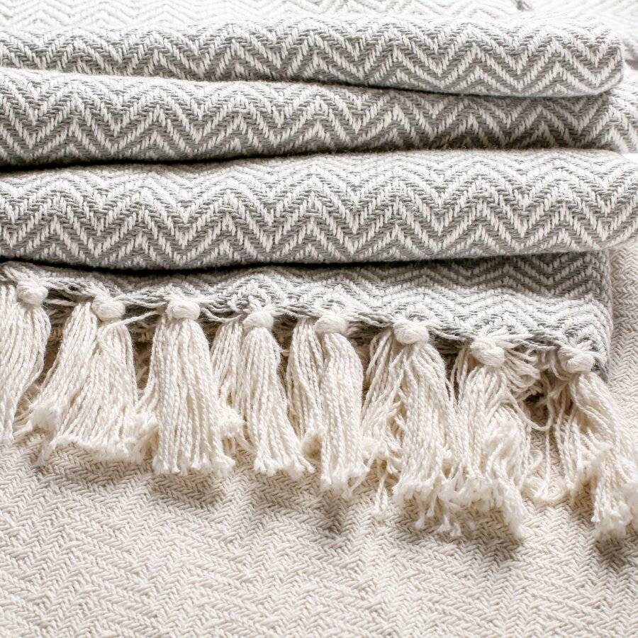 Pair Of 2 Chevron Throw for Sofa Or ArmChair 127 x 152cm-Ivory /Grey