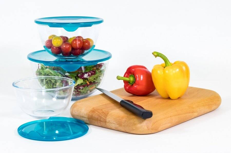 Pyrex High resistance Set of 3 Round Bowl With Lid -0.5L, 1L & 2L