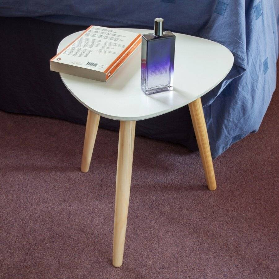 Retro Style White Triangle Coffee Table - MDF Table Top & Wooden Legs
