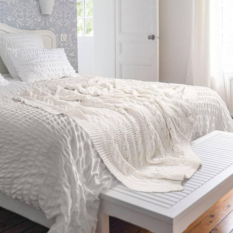 Super Chunky Hand Knitted Cotton Blanket Sofa Throw, Cream - 125 x 150cms
