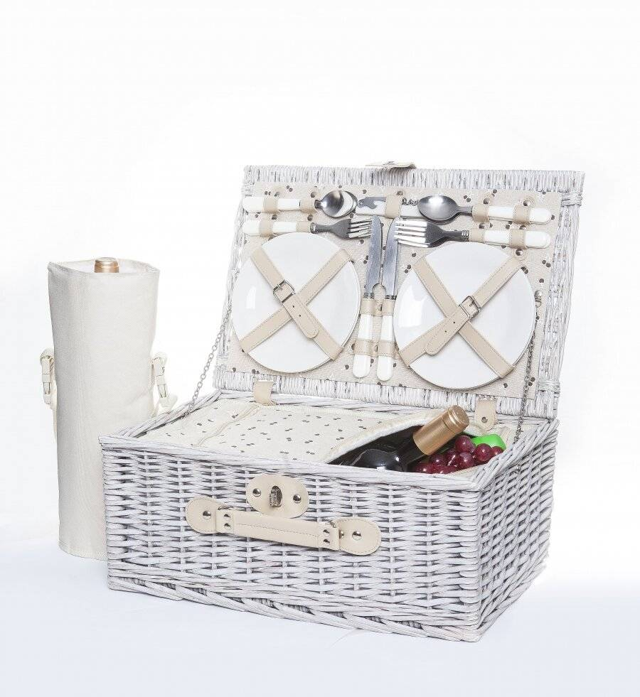 Woodluv 4 Person Picnic Basket With Green Checker Lining - Natural