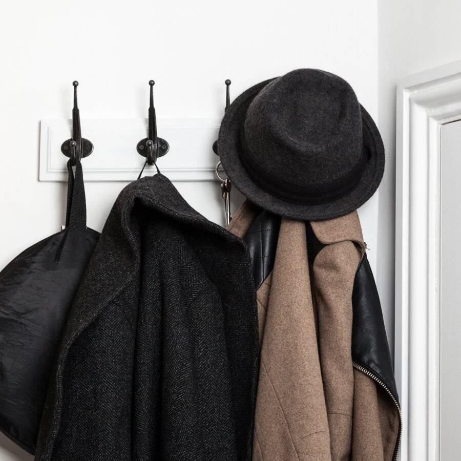 Woodluv Heavy Duty 4 Hook Wooden Coat Hanger - Black and White