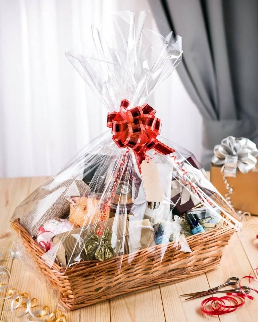 Woodluv Wicker Hamper Basket Includes Create Your own Gift Hamper Kit