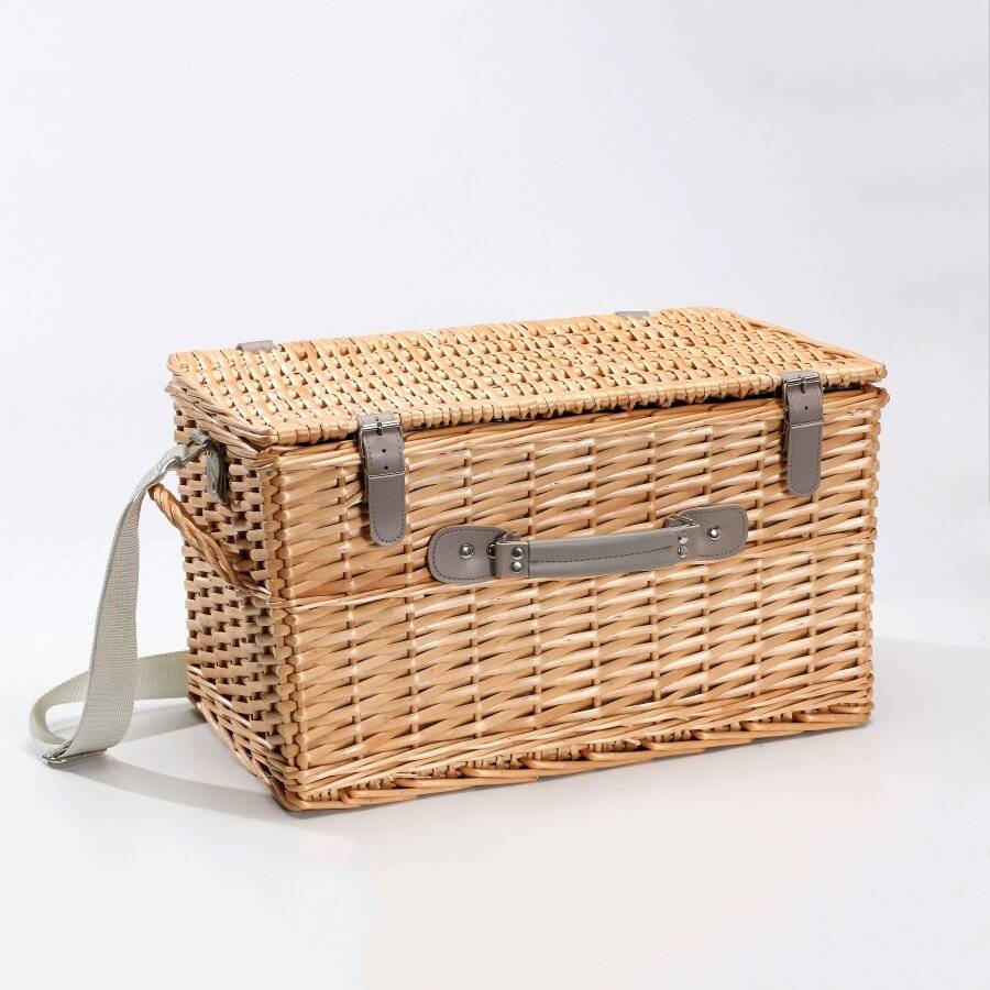Woodluv Willow Picnic Basket For 4 People With Quality Accessories